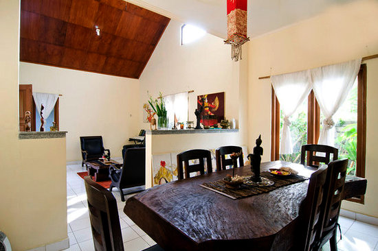 Beereni Guesthouse : dining area