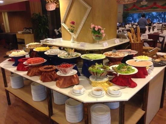 Prestige Hotel: breakfast
