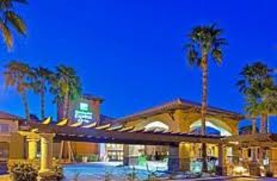 Holiday Inn Express Hotel & Suites Rancho Mirage - Palm Spgs Area: Holiday Inn Express Rancho Mirage Night