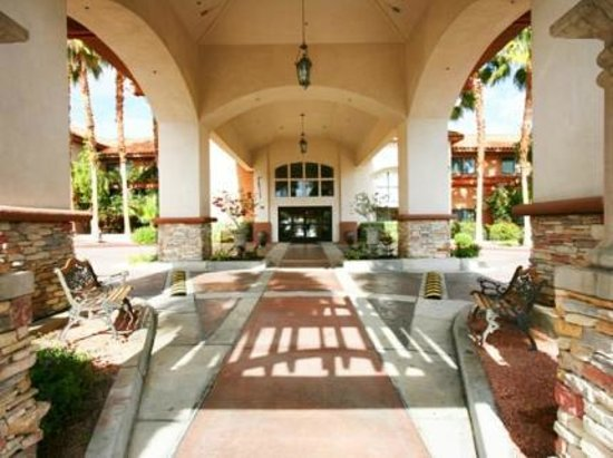 Holiday Inn Express Hotel & Suites Rancho Mirage - Palm Spgs Area: Holiday Inn Express Rancho Mirage Entrance