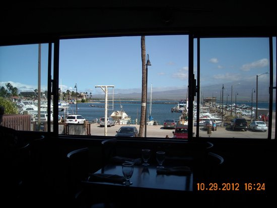 Buzz's Wharf Restaurant : The lovely view from our table @ Buzz's