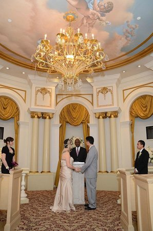 Paris Las Vegas Wedding At The Altar Picture Of Paris Las Vegas Wedding Chapel