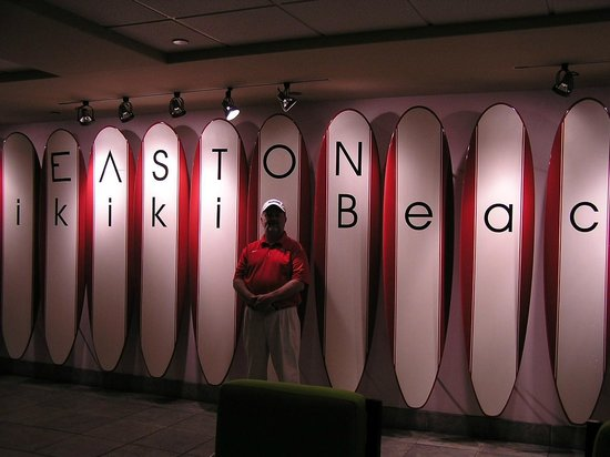 Aston Waikiki Beach Hotel: We renamed the hotel...LOL!