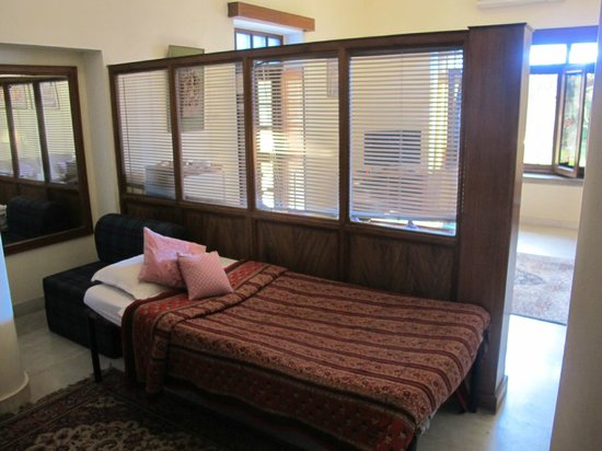 Hotel Meghniwas: Spare bed