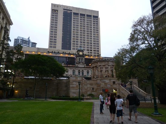 Sofitel Brisbane Central: Hotel desde Anzac Square