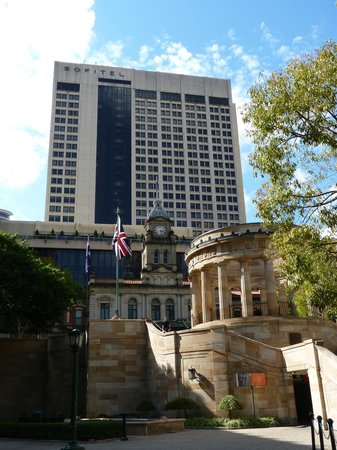 Sofitel Brisbane Central: Afueras del hotel