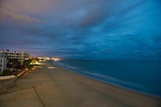 Casa Costa Azul: Vista de noche