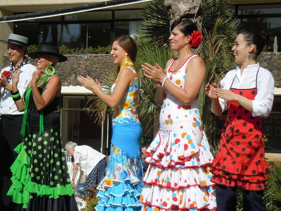 H10 Conquistador: Fiesta held during our stay - lots of colour and dancing