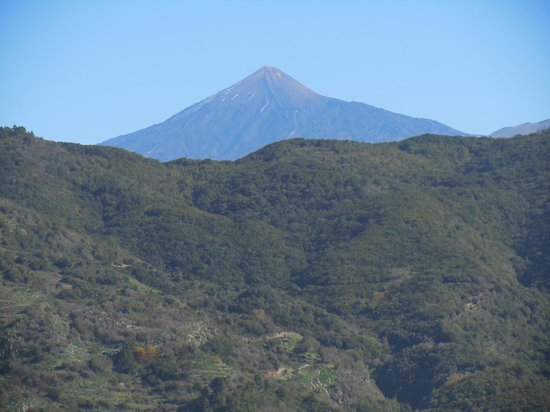 H10 Conquistador: Tenerife is beautiful - Teide in distance