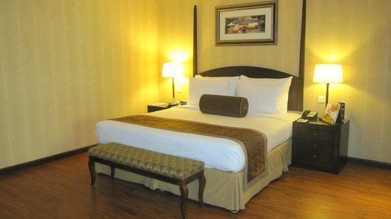 Flora Grand Hotel: Bett