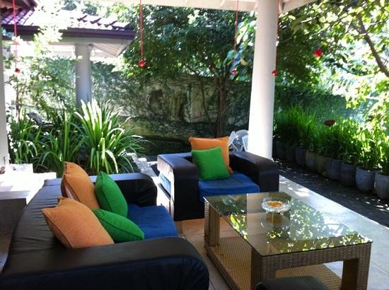 Hibiscus Villa: terrace