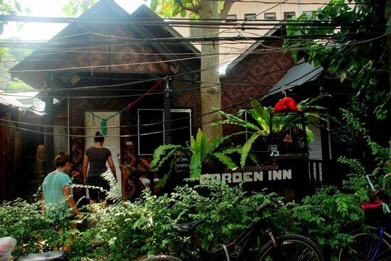 Garden Inn Bungalow: outside