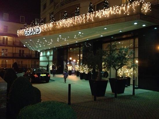 The Chelsea Harbour Hotel: Christmas at Chelsea Wyndham Grand.