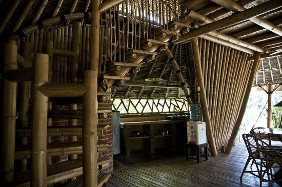 Bamboo Village Le Sabot Ubud : kitchen area