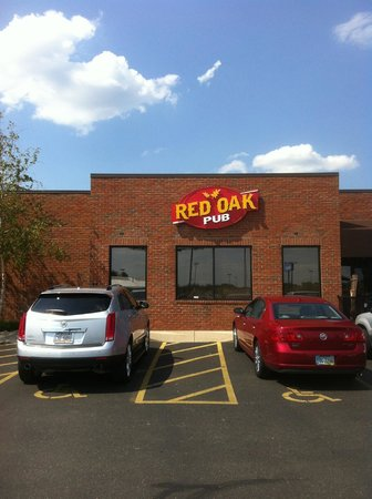 Red Oak Pub and Restaurant: Pub sign