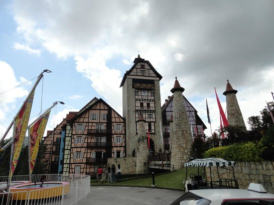 Colmar Tropicale, Berjaya Hills: The view from outside of the grounds.