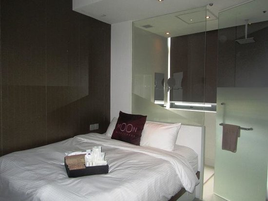 Moon 23 Hotel: Executive double room