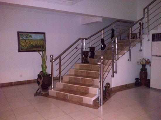 Arirang Hotel: Staircase