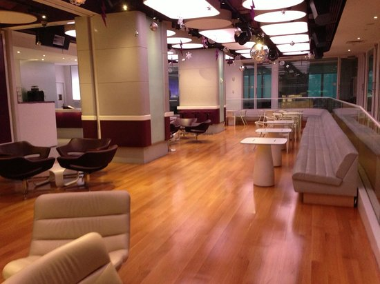 YOTEL New York at Times Square West : Lounge