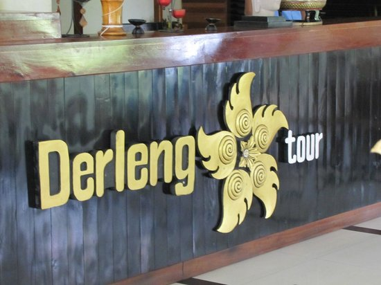 The Kool Hotel: Derleng tour desk.