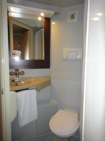 Premiere Classe Mlv - Torcy : salle de bain, lavabo