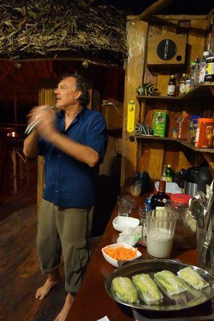 Al Natural Resort: Bar tending in the tropics... best rhum contest?