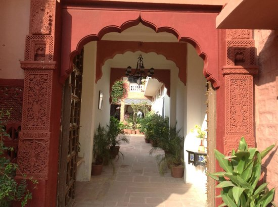 Jagat Vilas: entrance to Jagat Villa's