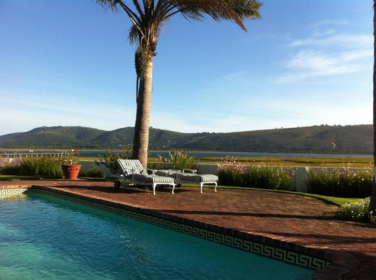 Point Lodge on the Water's Edge, Knysna Lagoon: Grundstücksaussicht