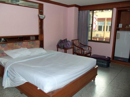 Royal Asia Lodge Bangkok: My room (superior king single, the cheapest available)