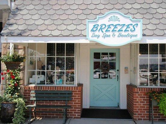 Breezes Day Spa & Boutique