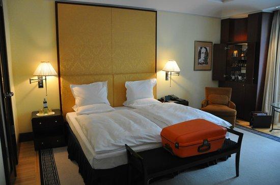 Hotel Adlon Kempinski: Komfortables Bett