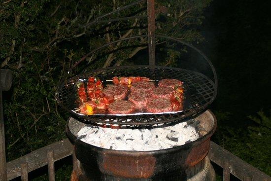 Matyholweni Rest Camp: Grillen...