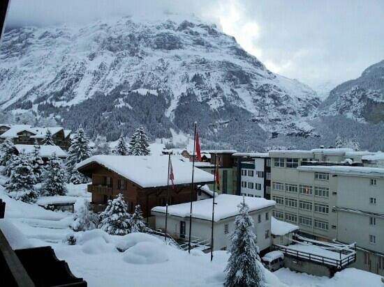 Hotel Restaurant Alpina Grindelwald: balcony view