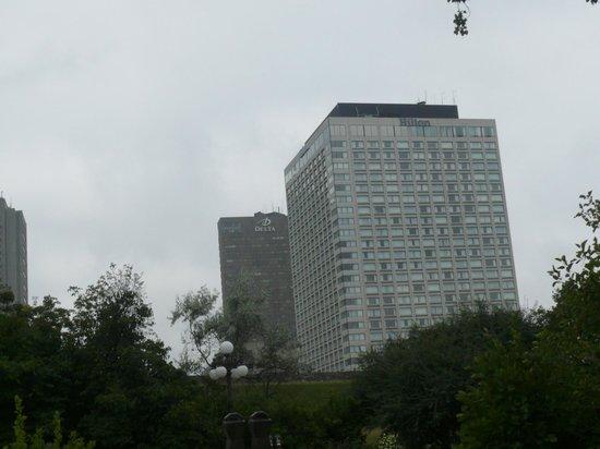 دلتا كيبك: il Delta, parzialmente coperto dall'Hilton 