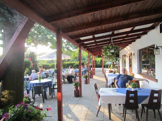 Lurschau, Niemcy: Beer garden