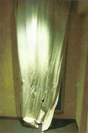 Hostellerie a la Ville de Lyon : Accès donnant sur les couloirs de chambres