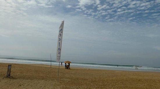 Neela's Guesthouse & Beach Restaurant: Beach