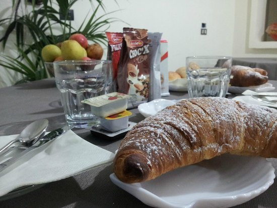 Hotel Happy: Ricca colazione