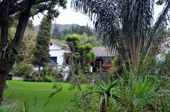 Hacienda Cusin: REAR OR HACIENDA 