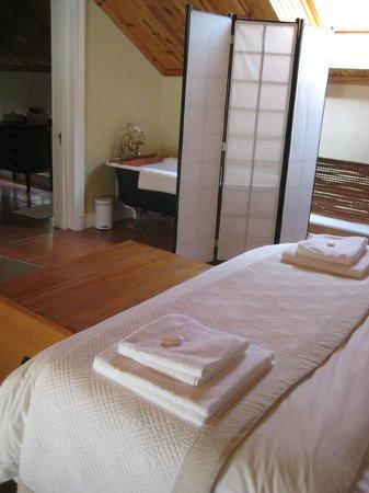 Knorhoek: Badewaqnne im Schlafzimmer