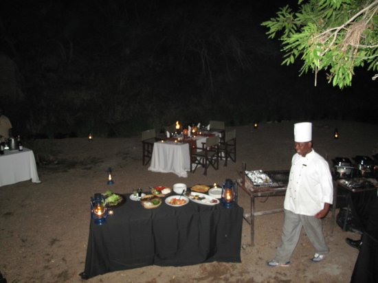 Sabi Sabi Little Bush Camp: dinner set up in river bed