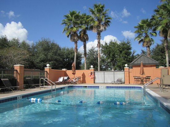 Hyatt Place Orlando Airport: Hotel pool area