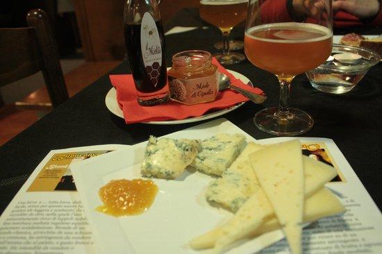 TNT: birra artigianale e degustazione di formaggi (erborinati e pecorini)