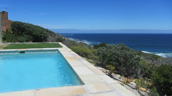 Cliff Lodge: Pool an den Klippen