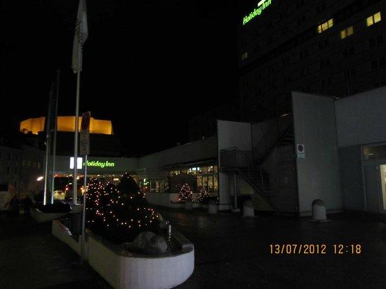 هوليداي إن ميونيخ - سيتي سنتر: Hotel Entrance 