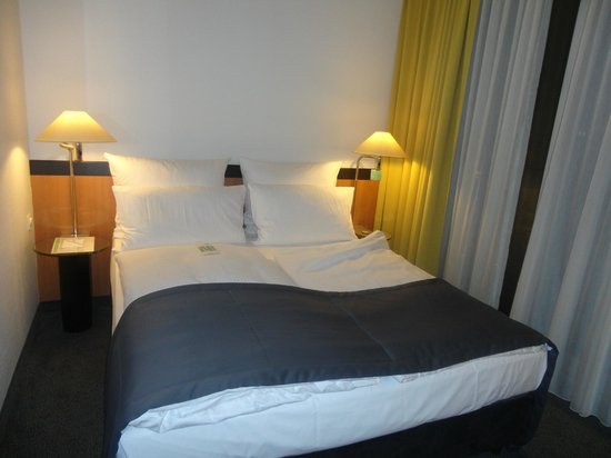 Holiday Inn Berlin City Center East-Prenzlauer Allee: camera 3piano