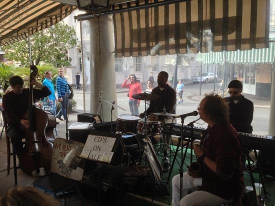Market Cafe: Live Jazz Band