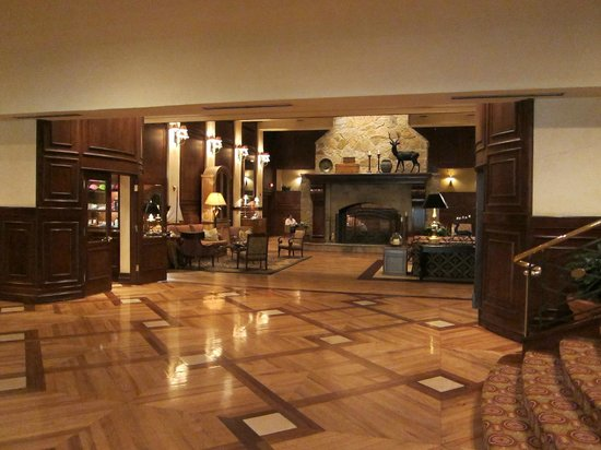 The Houstonian: lobby