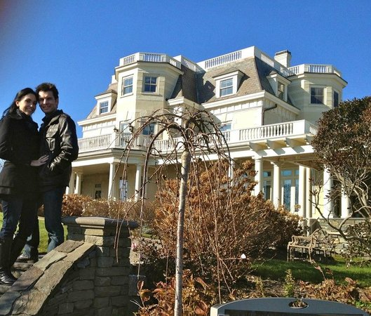 The Chanler at Cliff Walk: Morning after the proposal, about to explore cliff walk.