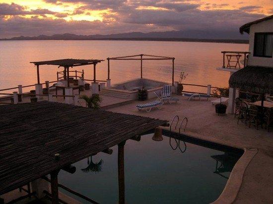 Villa Paraiso: Sunrise at the Villa